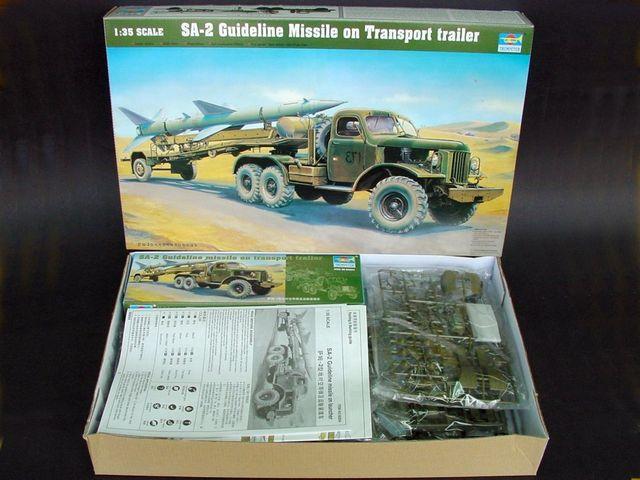 Trumpeter 1//35 00204 SA-2 Missile on Transport Trailer